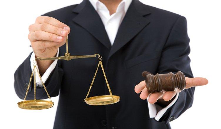 وکلا , کارشناسان حقوقی